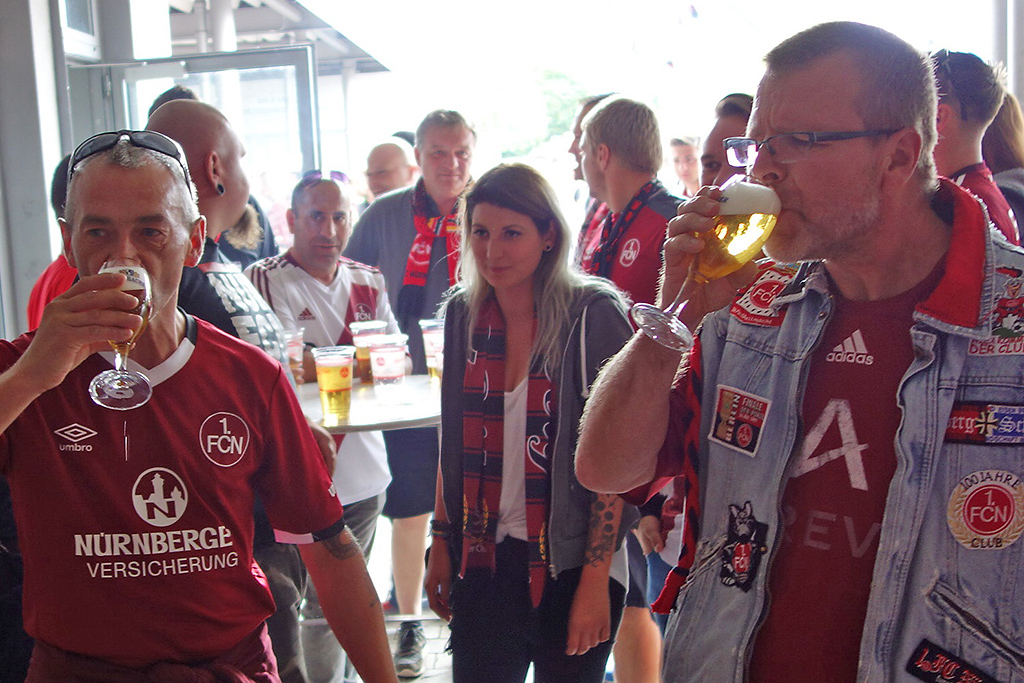 FCN-Fanclub Korbstadt GLUBBERER Lichtenfels  vs.  Schwarz-Rote Zwedschgamännla